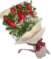 11 adet kirmizi güllerden özel buket  Bursadaki çiçekçi bursaya çiçek