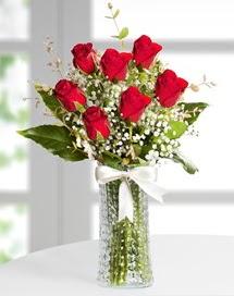Cam vazoda 7 adet kırmızı gül  Bursa çiçek büyük orhan yurtiçi ve yurtdışı çiçek siparişi