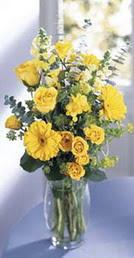 Çiçekçi Bursa sitesi orhangazi çiçek satışı  sari güller ve gerbera cam yada mika vazo