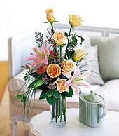 Bursa çiçek büyük orhan yurtiçi ve yurtdışı çiçek siparişi  cam yada mika vazo içerisinde gül kazablanka