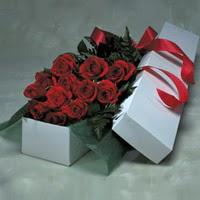 Çiçekçi Bursa sitesi orhangazi çiçek satışı  11 adet gülden kutu