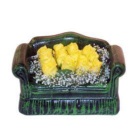Seramik koltuk 12 sari gül   Bursa çiçek yolla osmangazi online çiçekçi , çiçek siparişi
