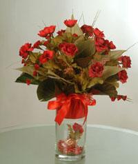 yapay güllerden vazo  9 gül  Bursadaki çiçekçi nilüfer hediye çiçek yolla