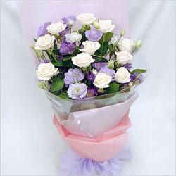 Bursa çiçek siparişi  BEYAZ GÜLLER VE KIR ÇIÇEKLERIS BUKETI