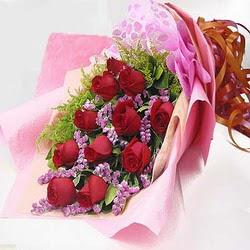 11 adet kirmizi gül ve kir çiçekleri  Bursa çiçek siparişi