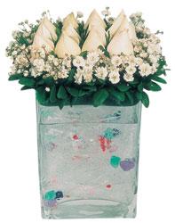 Bursa çiçek siparişi  7 adet beyaz gül cam yada mika vazo tanzim