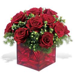 Bursa çiçek satışı iznik hediye sevgilime hediye çiçek  9 adet kirmizi gül cam yada mika vazoda