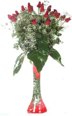 Bursadaki çiçekçi nilüfer hediye çiçek yolla  19 ADET GÜL VE FIL CAM AYAGI
