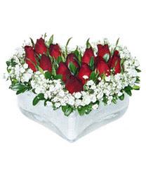 Bursadaki çiçekçi bursaya çiçek  mika kalp içerisinde 9 adet kirmizi gül