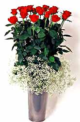 Bursadaki çiçekçiler bursaya çiçek yolla  9 adet kirmizi gül cam yada mika vazoda