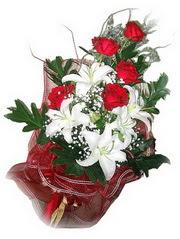 Bursa çiçek yenişehir çiçekçi mağazası  5 adet kirmizi gül 1 adet kazablanka çiçegi buketi