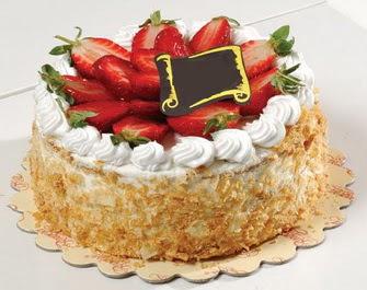 uygun pastaneler 4 ile 6 kisilik çilekli yas pasta lezzetli  Bursa çiçek karacabey çiçekçi telefonları