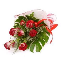 Çiçek gönder 9 adet kirmizi gül buketi  Bursa çiçek karacabey çiçekçi telefonları