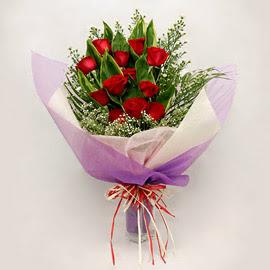 çiçekçi dükkanindan 11 adet gül buket  Bursa çiçek siparişi