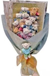 12 adet ayiciktan buket tanzimi  Bursadaki çiçekçiler bursaya çiçek yolla