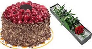 1 adet yas pasta ve 1 adet kutu gül  Bursadaki çiçekçi nilüfer hediye çiçek yolla
