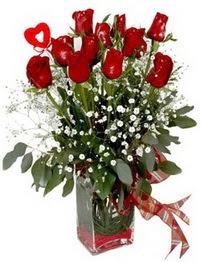 Bursa çiçek karacabey çiçekçi telefonları  9 adet mika yada cam vazoda gül tanzimi kalp çubuk