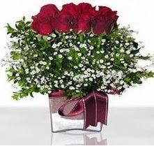 Bursa çiçek siparişi  mika yada cam vazo içerisinde 7 adet gül