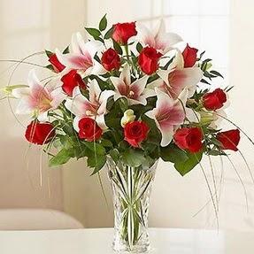 Bursa çiçek mustafa kemal paşa çiçek siparişi sitesi  12 adet kırmızı gül 1 dal kazablanka çiçeği