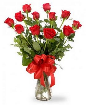 Bursa çiçek büyük orhan yurtiçi ve yurtdışı çiçek siparişi  12 adet kırmızı güllerden vazo tanzimi