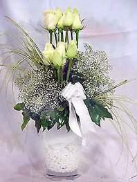 Çiçekçi Bursa sitesi orhangazi çiçek satışı  9 adet vazoda beyaz gül - sevdiklerinize çiçek seçimi