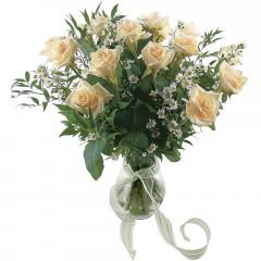 Vazoda 8 adet beyaz gül  Çiçekçi Bursa sitesi gemlik güvenli kaliteli hızlı çiçek
