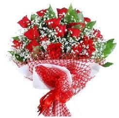 11 kırmızı gülden buket  Çiçekçi Bursa sitesi gemlik güvenli kaliteli hızlı çiçek