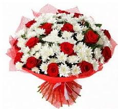 11 adet kırmızı gül ve 1 demet krizantem  Bursa çiçek mustafa kemal paşa çiçek siparişi sitesi