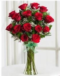 Cam vazo içerisinde 11 kırmızı gül vazosu  Çiçekçi Bursa sitesi nilüfer çiçek siparişi vermek