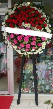 Cenaze çiçek modeli  Bursadaki çiçekçi bursaya çiçek
