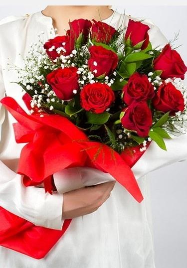 Aşk Gülleri 11 Adet kırmızı gül buketi  Çiçekçi Bursa sitesi inegöl çiçek mağazası , çiçekçi adresleri