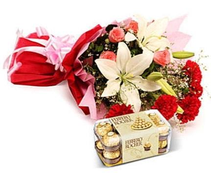 Karışık buket ve kutu çikolata  Bursa çiçek büyük orhan yurtiçi ve yurtdışı çiçek siparişi