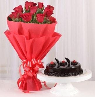 10 Adet kırmızı gül ve 4 kişilik yaş pasta  Bursa çiçek siparişi
