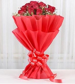 12 adet kırmızı gül buketi  Bursa çiçek satışı Bursa çiçek yolla
